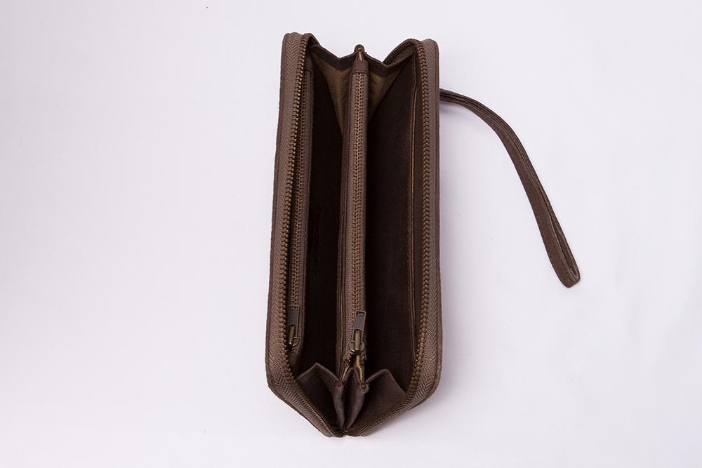 Billetera piel miuma bordada marrón oscuro-i