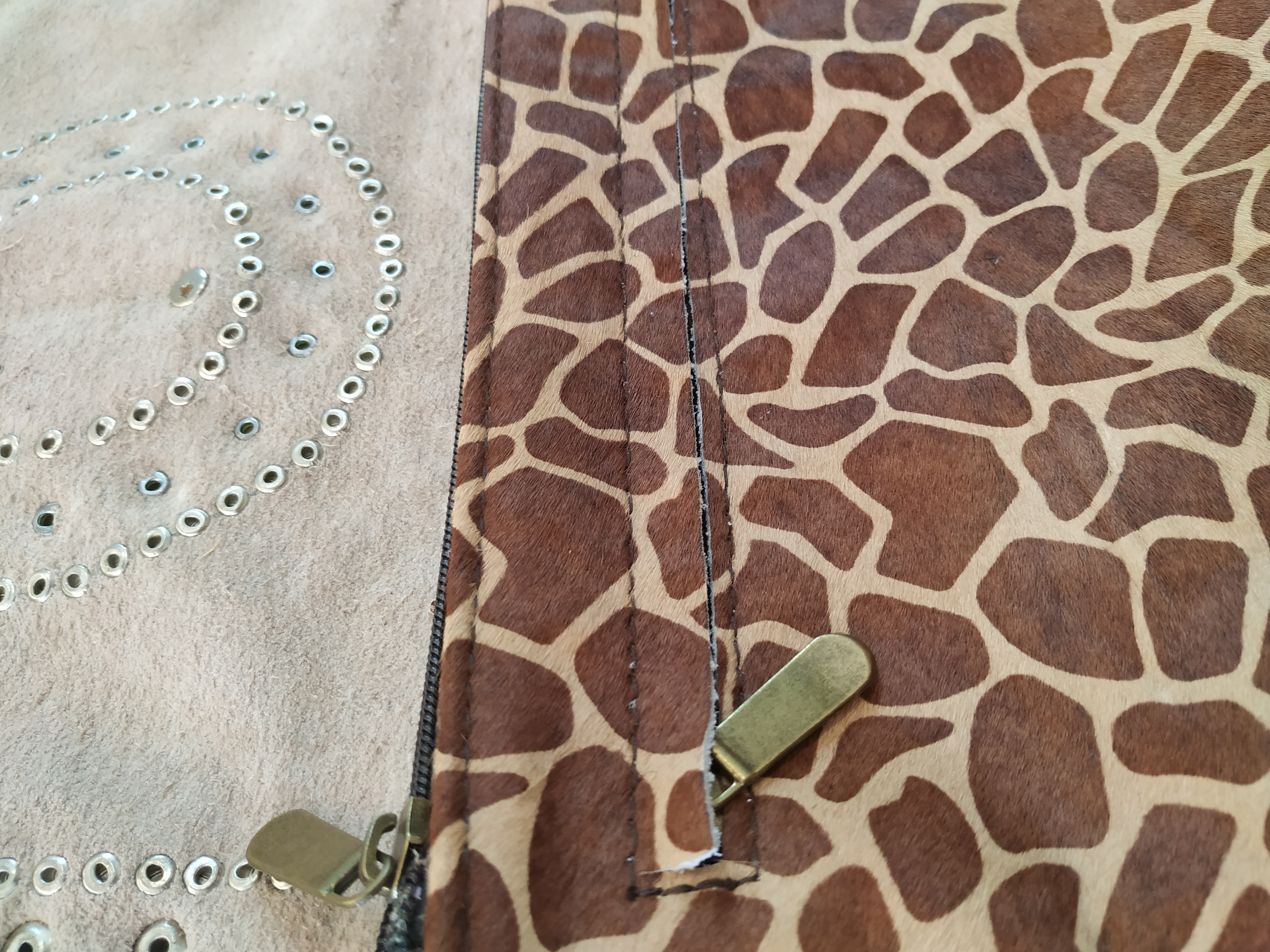 miuma-sobre-artesanal -piel-animal-tachas-moda-cambrils (2)