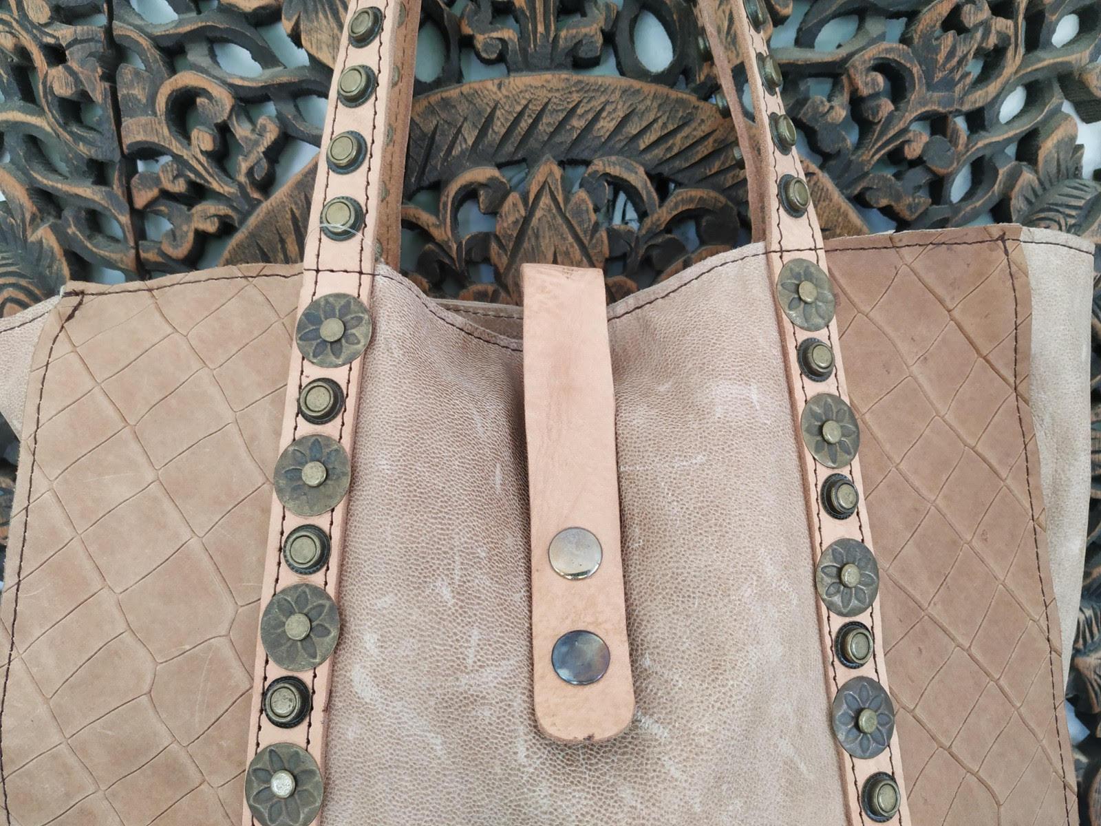 miuma-bolso-marron-piel-tachas-complemento-moda-cambrils(2)