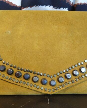 miuma-sobre-tachas-beige-piel-complementos-moda-cambrils
