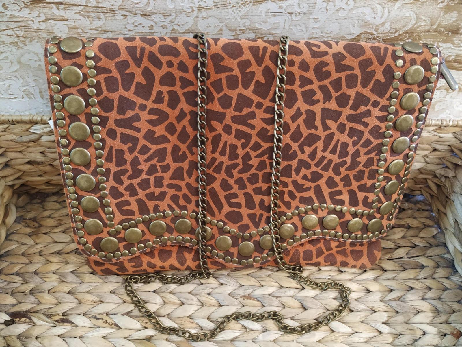 miuma-sobre-tachas-estampado-piel-complementos-moda-cambrils(2)